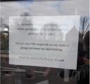 Het briefje op de deur van Kwalitaria Delifrance.