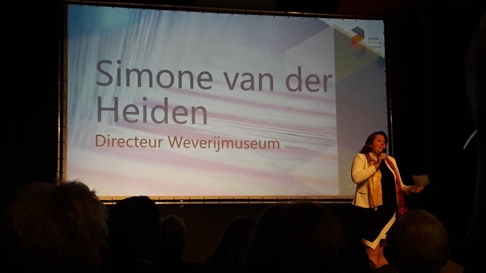 Directeur Simone van der Heiden van het Weverijmuseum