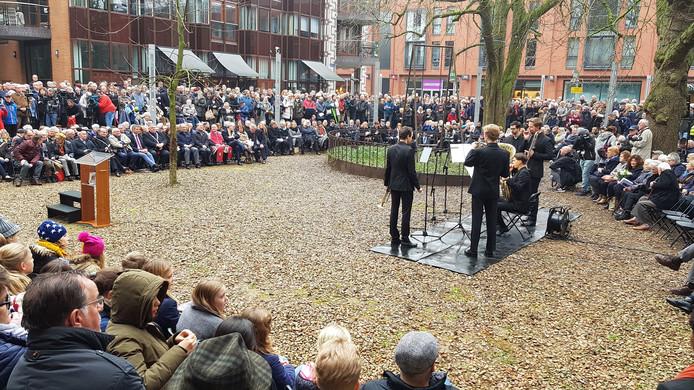 Muziek bij de herdenking van het bombardement op Nijmegen van 75 jaar geleden.