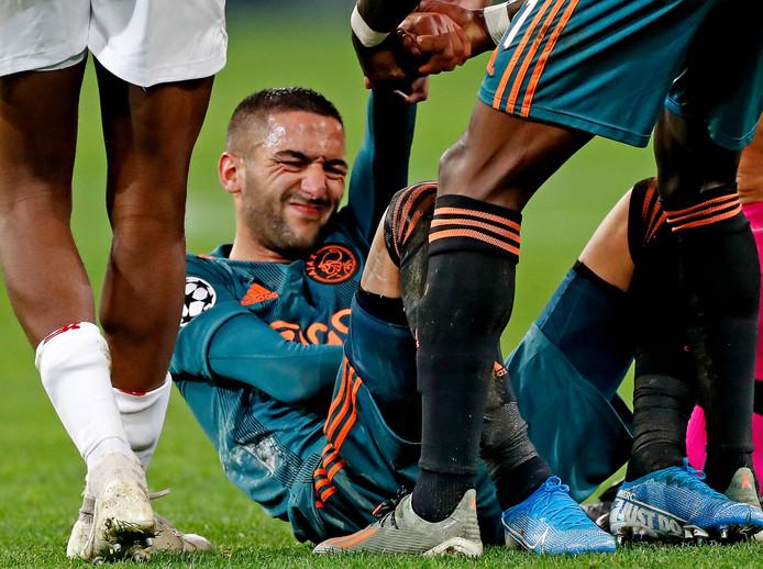 Hakim Ziyech valt uit met een blessure aan zijn arm.
