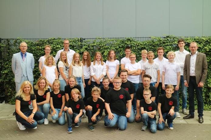 De jeugdslagwerkgroep en het Jeugdorkest van de Harmonie Vroomshoop: succesvol op concours in Dedemsvaart.