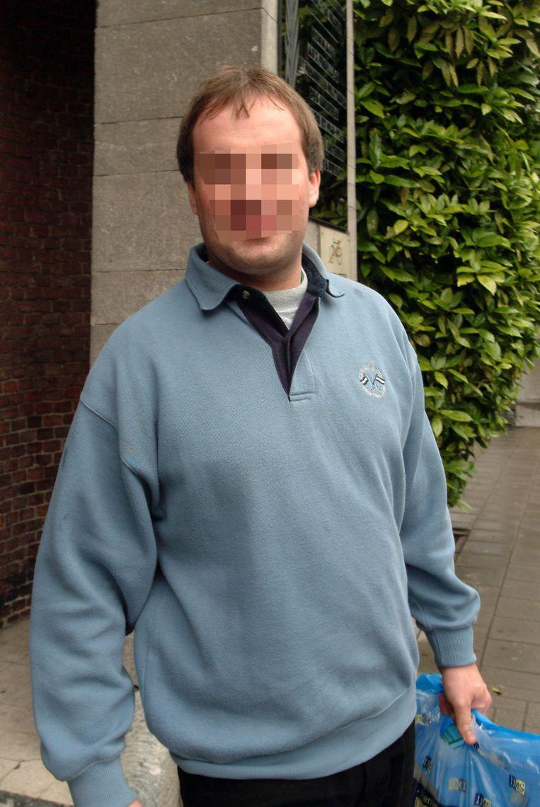 Dieter K. wordt verdacht van een pak brandstichtingen in Herentals en Meerhout. De man moest in 1995 en 2004 al voor de rechter verschijnen voor gelijkaardige feiten, maar werd telkens vrijgesproken.