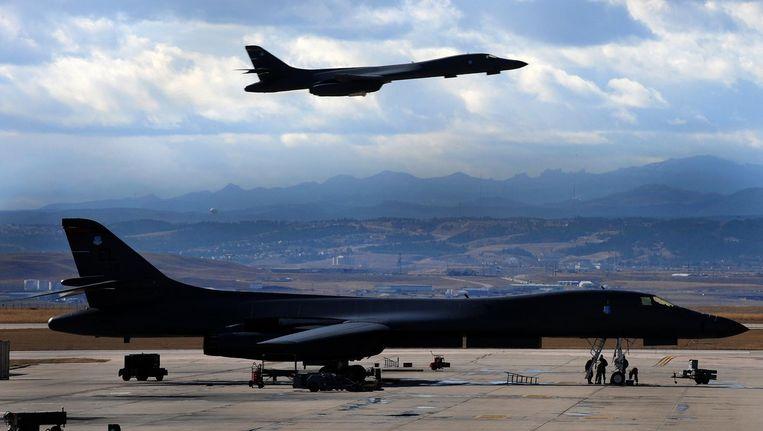 De VS lieten woensdag zware Amerikaanse B-1-bommenwerpers vliegen boven het grensgebied tussen Noord-en Zuid-Korea. Beeld US Air Force