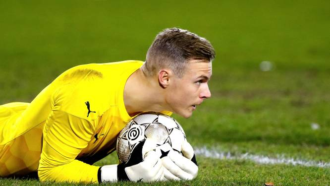 PSV-keeper Maxime Delanghe staat na half jaar revalideren voor rentree