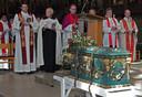 De in 1672 vervaardigde schrijn met het gebeente van Thomas a Kempis kreeg tijdens Pinksteren in 2006 een vaste plek in de Peperbuskerk in Zwolle.