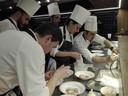 Het team van Ricard Camarena Restaurant aan het werk.