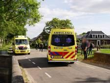 Auto schept kind op Hessenweg in Lunteren, slachtoffer naar ziekenhuis