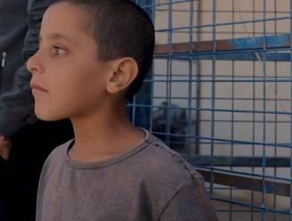 """""""We zullen jullie afslachten"""": Britse journalist sprak met kinderen en geradicaliseerde moeders in berucht Syrisch vluchtelingenkamp"""