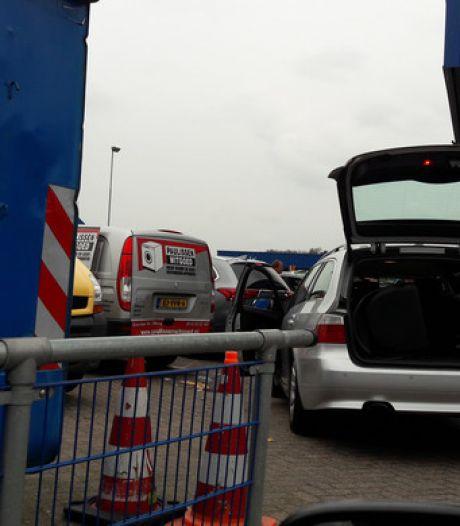 Tilburg kan nog twee maanden zonder reservering op de milieustraat terecht
