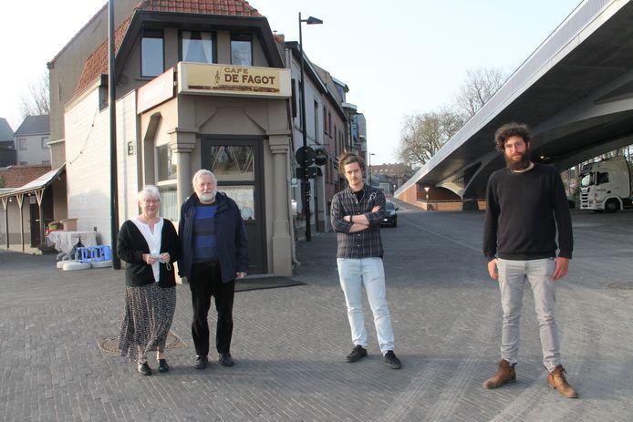 Carine en Jean-Pierre geven de fakkel door aan Yoshi en Dylan. Zij nemen café De Fagot over.