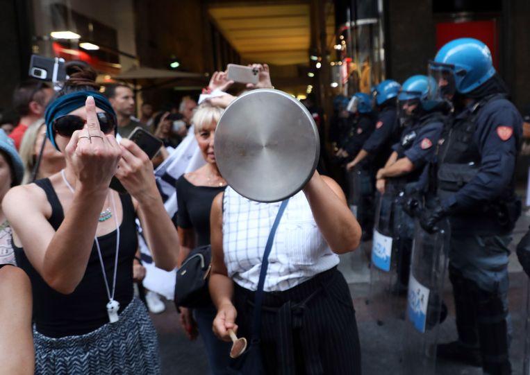 Demonstratie tegen de groene pas op 7 augustus in Milaan. Beeld EPA