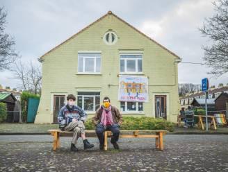 """Jonge Gentenaars doen vanuit gekraakt pand ultieme poging om Bernadettewijk te redden: """"We luisteren naar de wensen van de bewoners"""""""