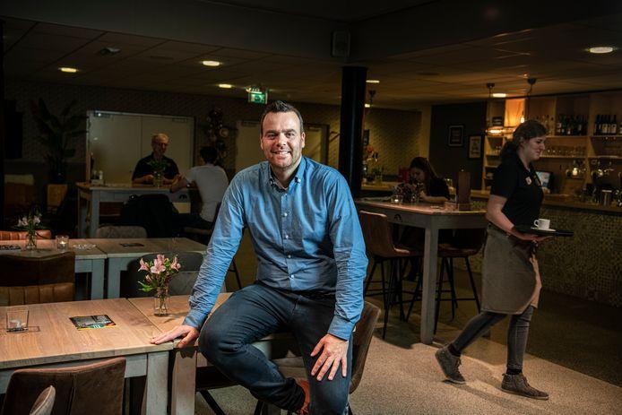 Vanwege de coronacrisis heeft manager Niels Gijsbers alleen nog de drie verhuurde kantoorruimtes open.