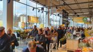 Meer dan honderd mensen schuiven aan voor opening Jumbo op Breebos
