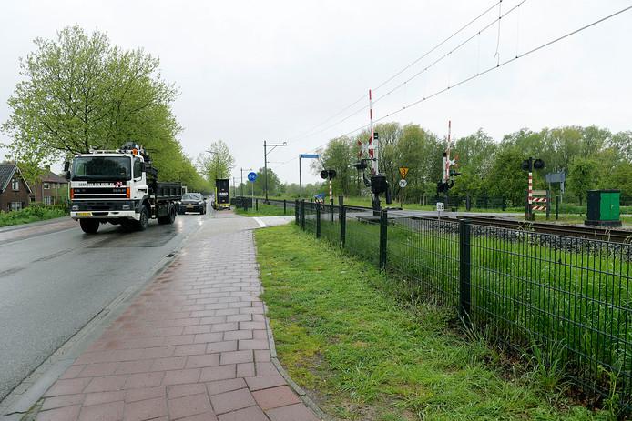 De spoorwegovergang bij de Giessenzoom in Hardinxveld-Giessendam.