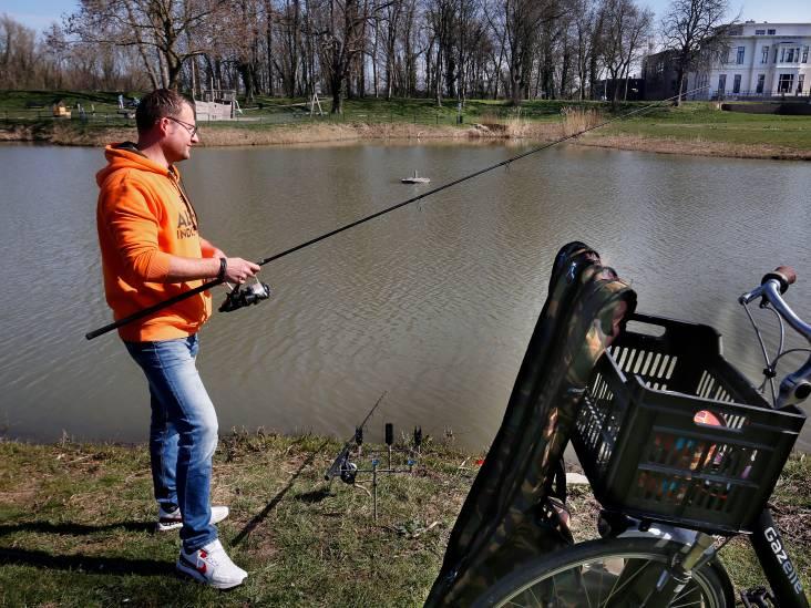 Voor visser Istvan (38) heeft de waterkant iets magisch: 'Als ik water zie, voel ik een bepaalde chemie'