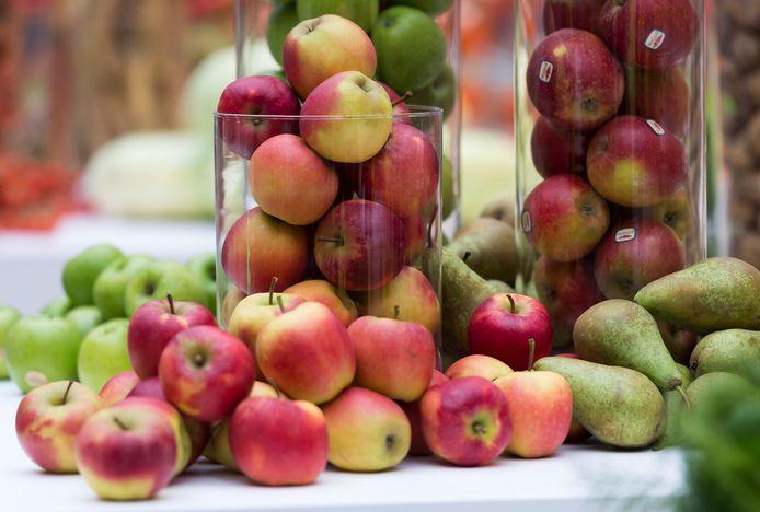 Appels en peren zijn in het seizoen.