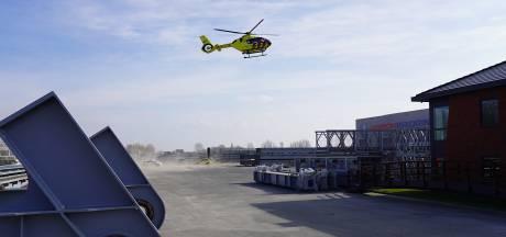 Ernstig gewonde bij ongeluk met enorme stalen constructie Janson Bridging in Hank