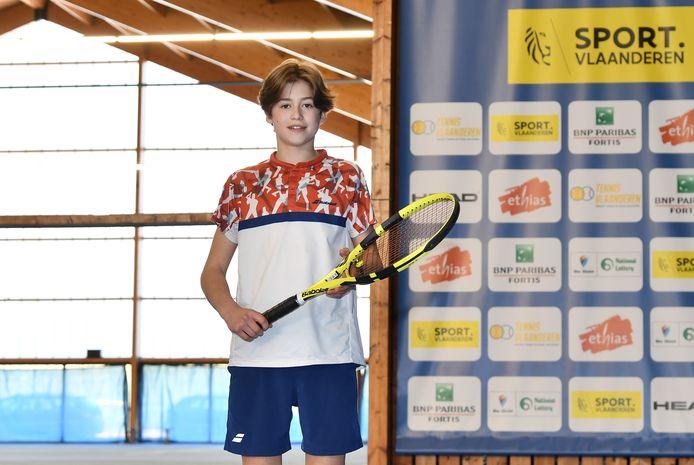 De 13-jarige Tiebe Louvaert volgt bij Tennis Vlaanderen een tennisopleiding in Wilrijk.