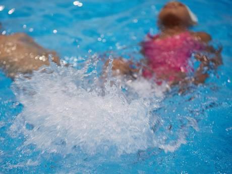 Opluchting als zwembad in het Van Tuyllpark komt