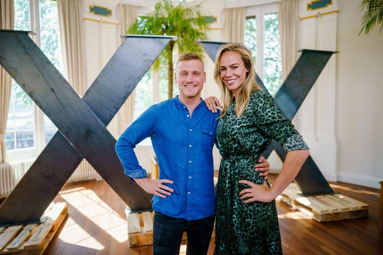 Presentatoren Kaj Gorgels en Nicolette Kluijver van Expeditie Robinson Beeld ANP