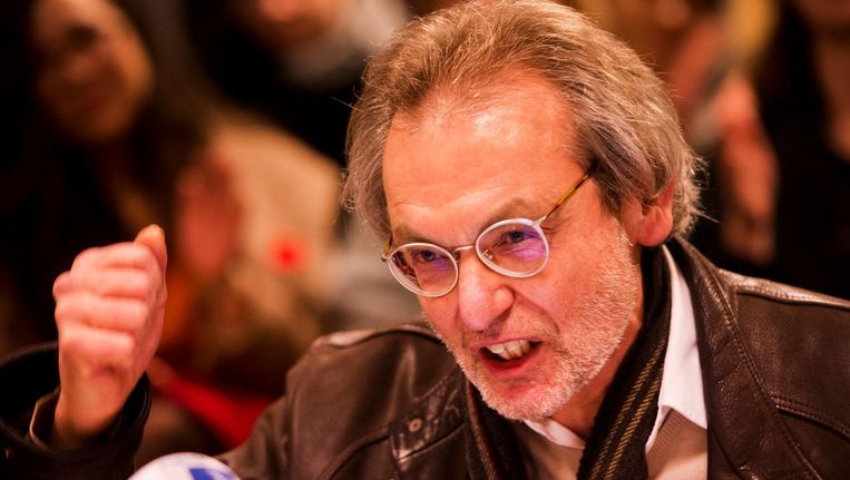 Docent Robert Valkhoff tijdens een persconferentie in het Bungehuis. Beeld anp