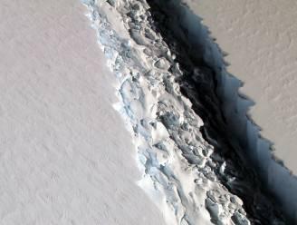 Gigantische ijsberg in de maak op de Zuidpool