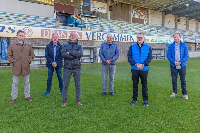 De sterke mannen achter VW Hamme. Vlnr: Kim Verstraeten, Marc De Wilde, Marc Behiels, Marcel Van Mele, Bart De Bruyne - Van den Broeck en sportschepen  Luk De Mey.