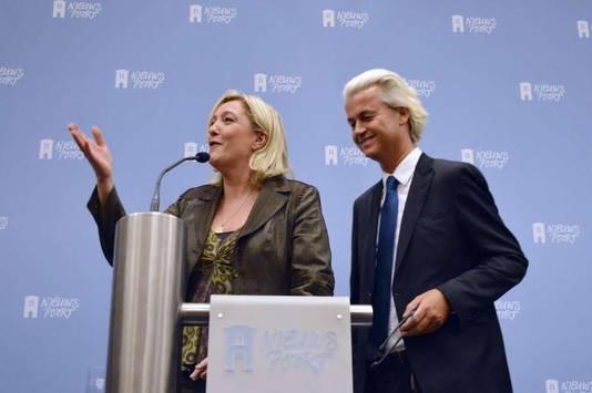 Marine Le Pen en Geert Wilders in Nieuwspoort.