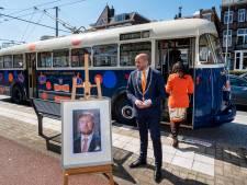 Deze Arnhemmers kregen een lintje vanuit de speciale 'Lintjestrolley' van burgemeester Marcouch