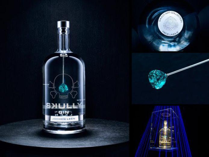 Collectie Skully Gin, de duurste fles gin ter wereld.