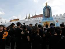 Thaise koning jaar na dood gecremeerd: miljoenen rouwende Thai