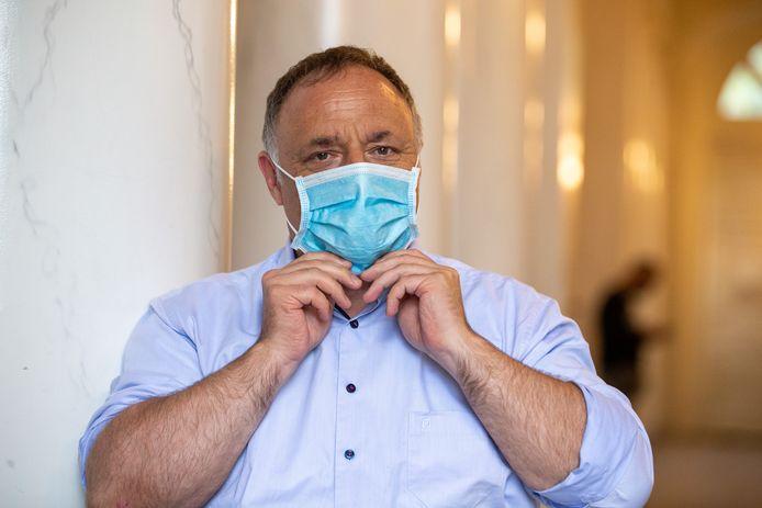 Viroloog Marc Van Ranst: 'De tijd dat er 500 gevallen per dag waren, ligt al een tijdje achter ons.'