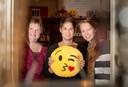 Ellen Bos (links), Miranda Radstake en Adrianne Hooimeijer in hun ruilwinkel Shop4Nop in Epe.