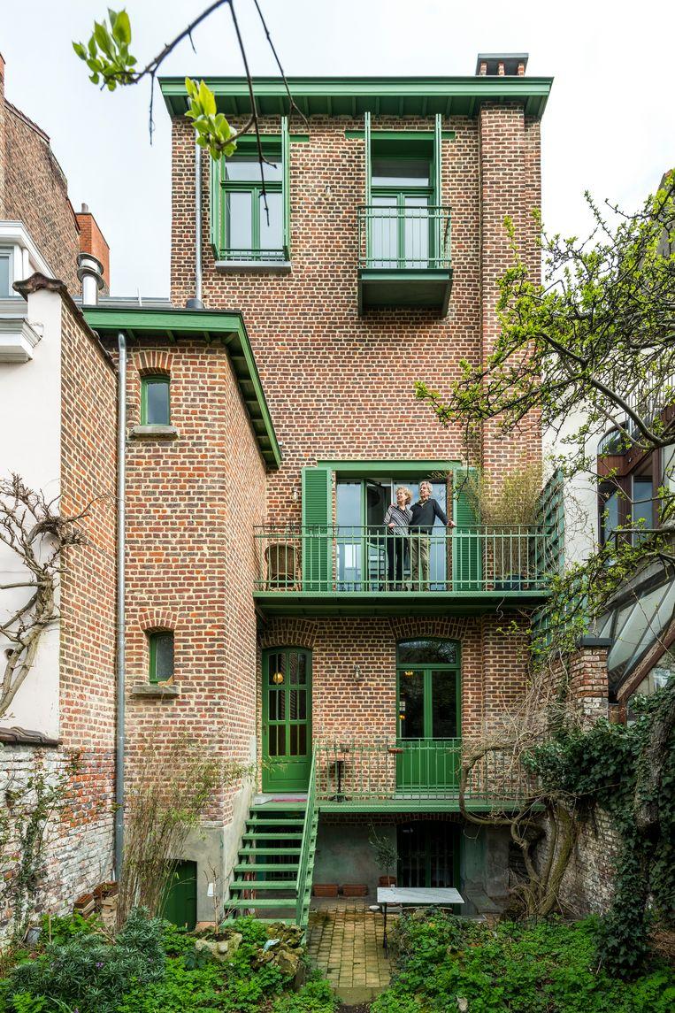 De groene terrasjes in staal werden door Jan en Niko toegevoegd. Beeld Luc Roymans