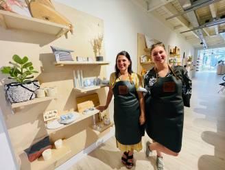 """Lisa en Klaartje openen 'Bar Blend' in Kattestraat: """"De hebbedingetjes die we verkopen, kan je hier ook leren maken"""""""