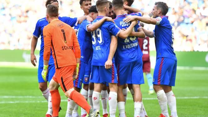 FC Twente verrast met ruime zege op Vitesse; weer hoofdrol Pröpper