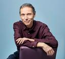"""Laurent Gounelle, auteur de """"L'homme qui voulait être heureux"""" sort son nouveau roman: """"Intuitio""""."""