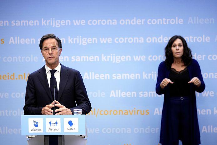 De Nederlandse premier Mark Rutte tijdens de persconferentie.