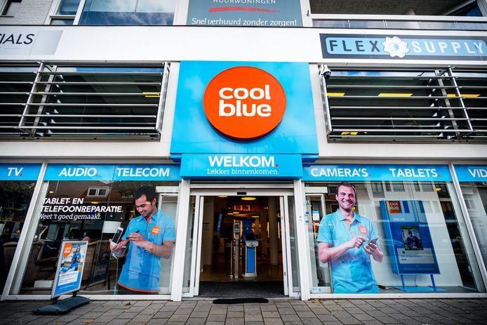 Een fysieke winkel van Coolblue in Eindhoven. Eigenaren Pieter Zwart en investeringsbedrijf HAL hebben besloten de beursgang van het bedrijf opnieuw uit te stellen.
