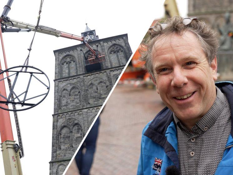 In Oldenzaal vliegen de kerkklokonderdelen door de lucht