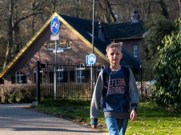 Jonathan (10) loopt elke dag 14 kilometer voor de daklozen