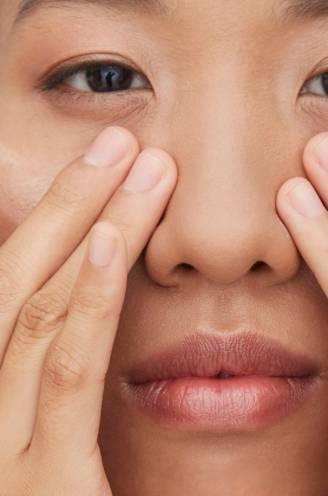 """Heeft het zin om een aparte oogcrème te smeren? """"Je ogen zijn cruciaal voor je uiterlijk, je verzorgt ze dus maar beter goed"""""""