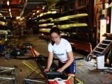 Het Materiaal: De skiff is maar net iets breder dan de heupen
