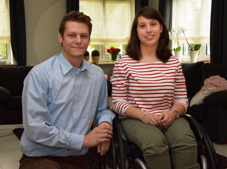 Gitte De Hond en Philippe Mariën, kinesist van revalidatiecentrum TRAINM.