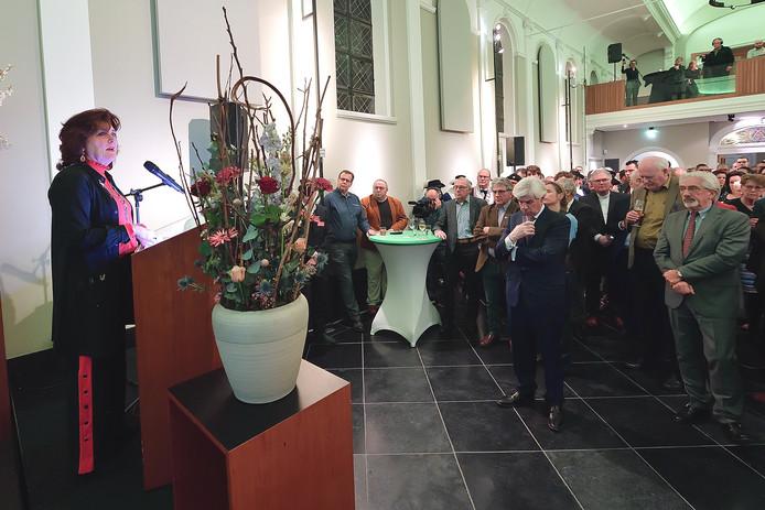 Burgemeester Leny Poppe-de Looff tijdens haar laatste nieuwjaarsrede bij de nieuwjaarsreceptie in de Zundertse Annakapel.