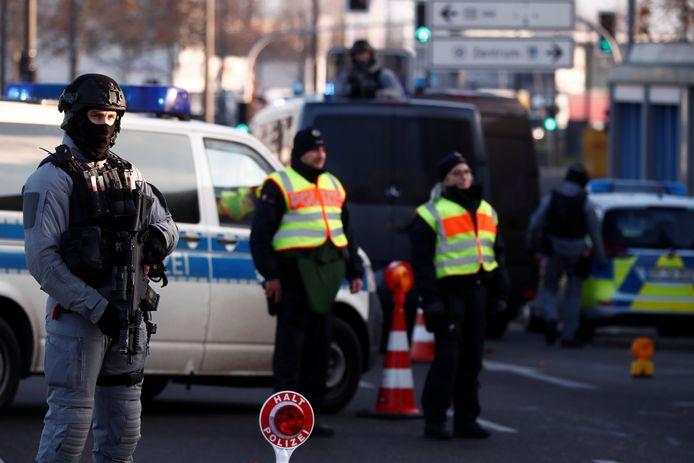 Duitse politie aan de grens met Frankrijk.