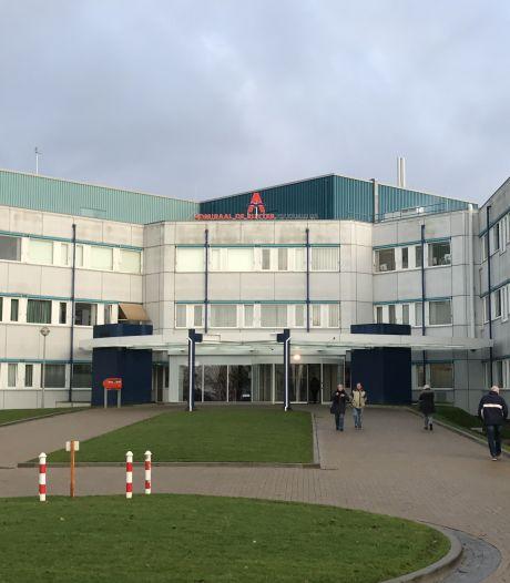 Zeeuwse ziekenhuizen versoepelen coronamaatregelen: geen mondkapje meer, en twee bezoekers
