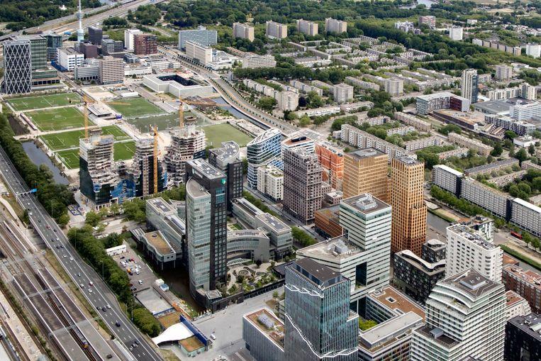 Luchtfoto van de torens aan de Zuidas, het financiële centrum van Amsterdam.  Beeld Hollandse Hoogte /  ANP