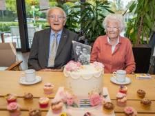Govert en Corry van der Kuijl zijn al 75 jaar een paar. Hun geheim? 'Gewoon doorgaan met ademen'